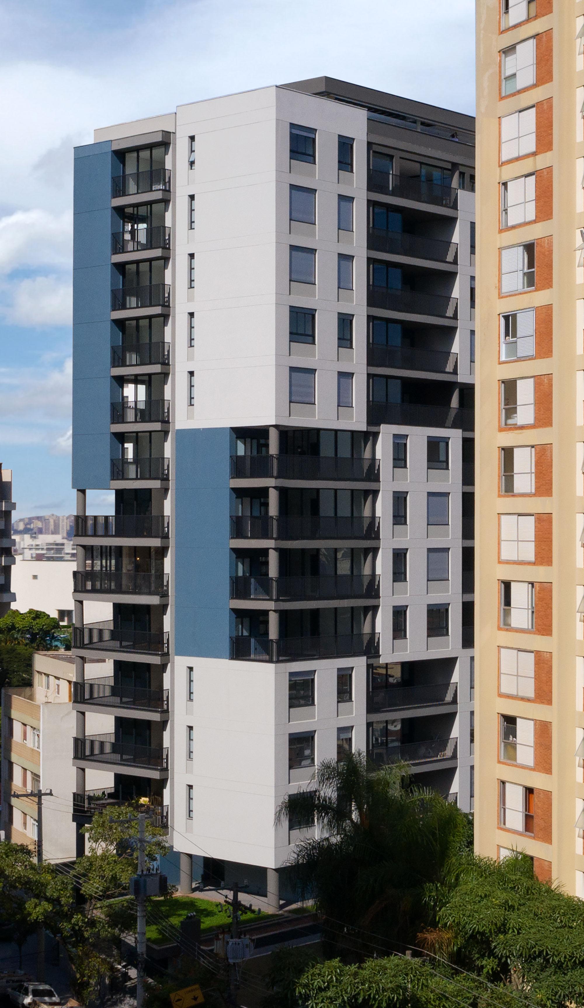 Edificio multiuso Spot 393 7