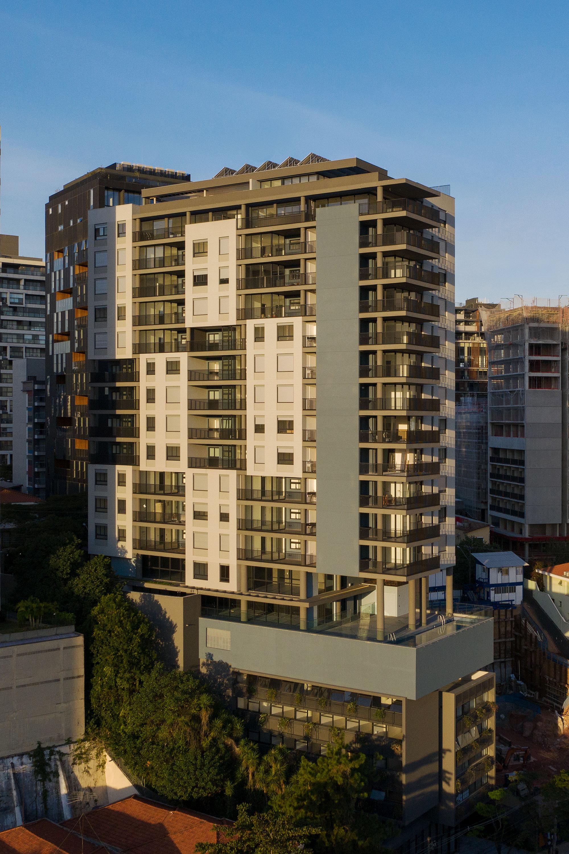 Edificio multiuso Spot 393 3
