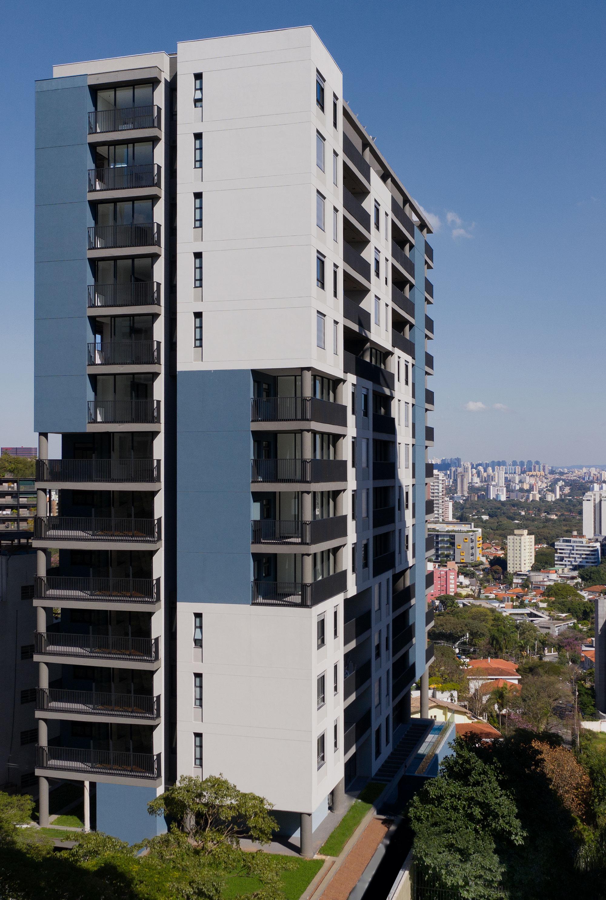 Edificio multiuso Spot 393 6